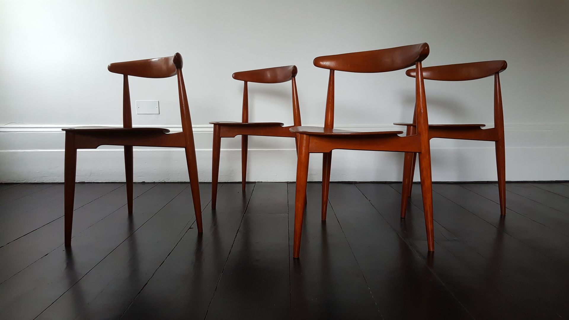 heart st hle von hans j wegner f r fritz hansen 1960er. Black Bedroom Furniture Sets. Home Design Ideas