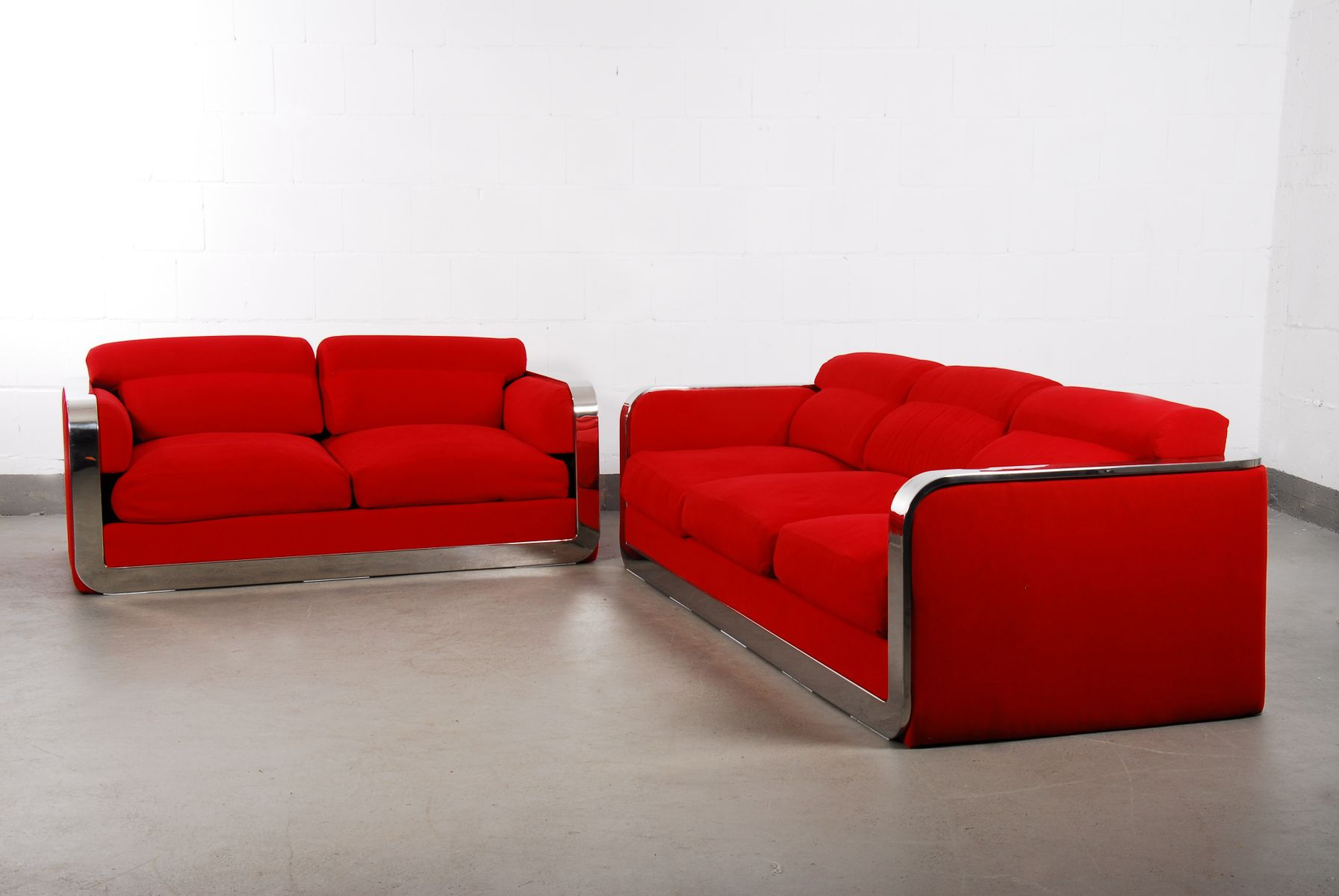italienisches vintage zwei sitzer drei sitzer sofa set. Black Bedroom Furniture Sets. Home Design Ideas