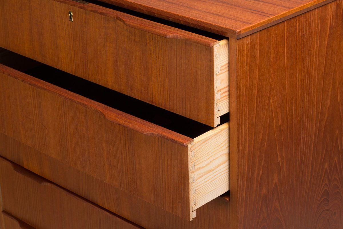 gro e d nische teak kommode 1960er bei pamono kaufen. Black Bedroom Furniture Sets. Home Design Ideas