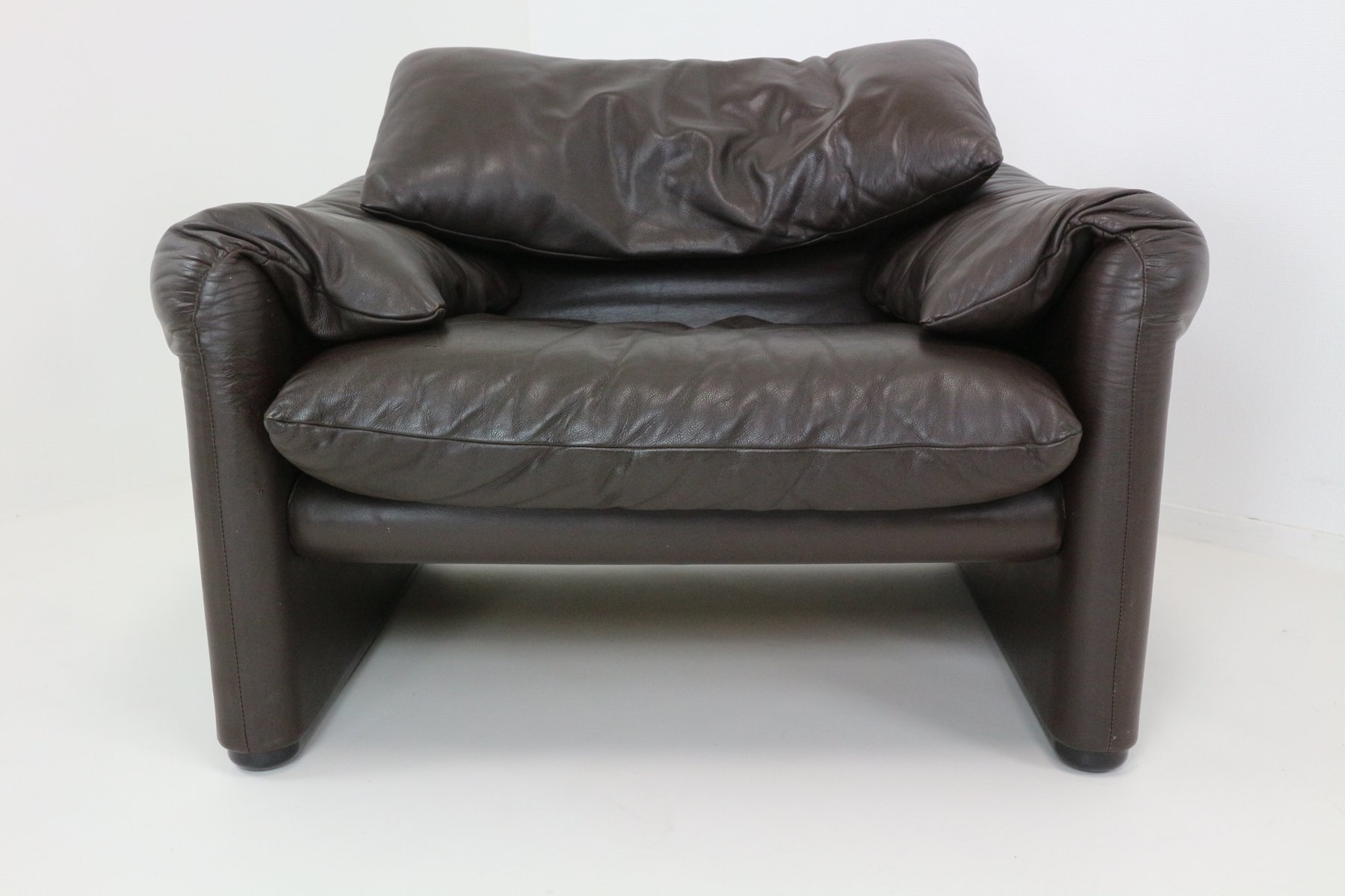 vintage maralunga leather lounge chair by vico magistretti for cassina - Leather Lounge Chair