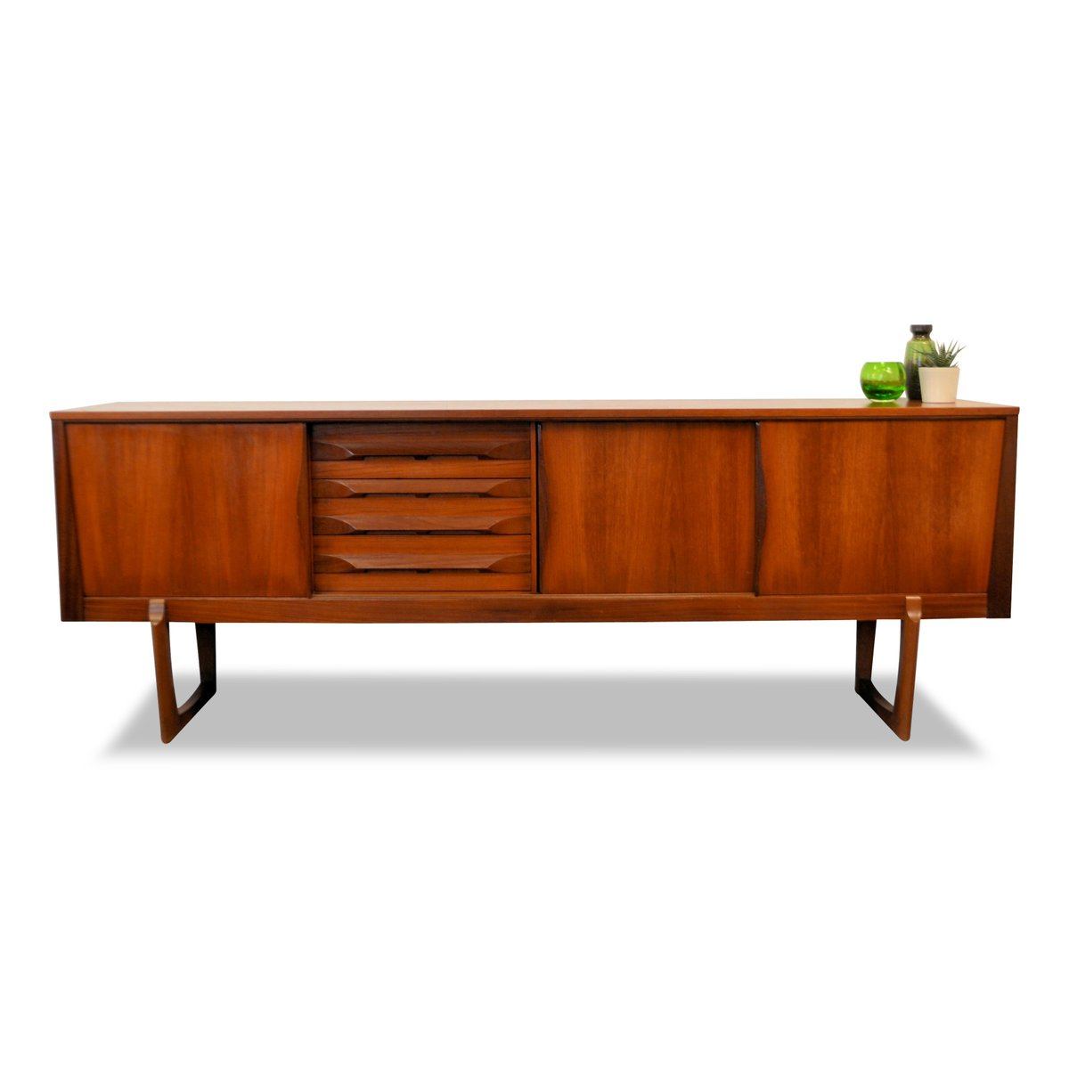 mid century modern teak sideboard from elliots for sale at pamono. Black Bedroom Furniture Sets. Home Design Ideas