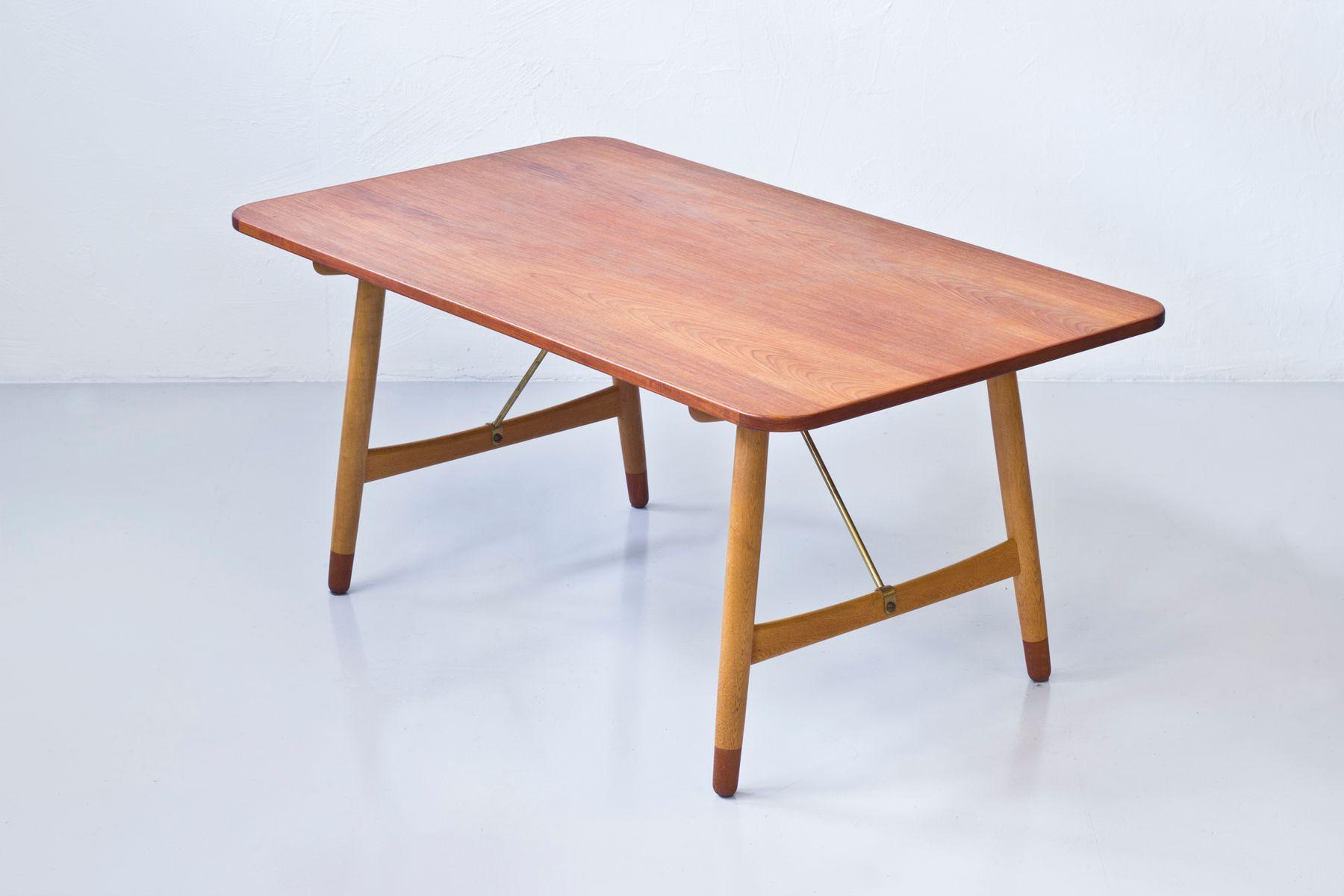 Hunt Table by B¸rge Mogensen for S¸borg M¸belfabrik 1950s for