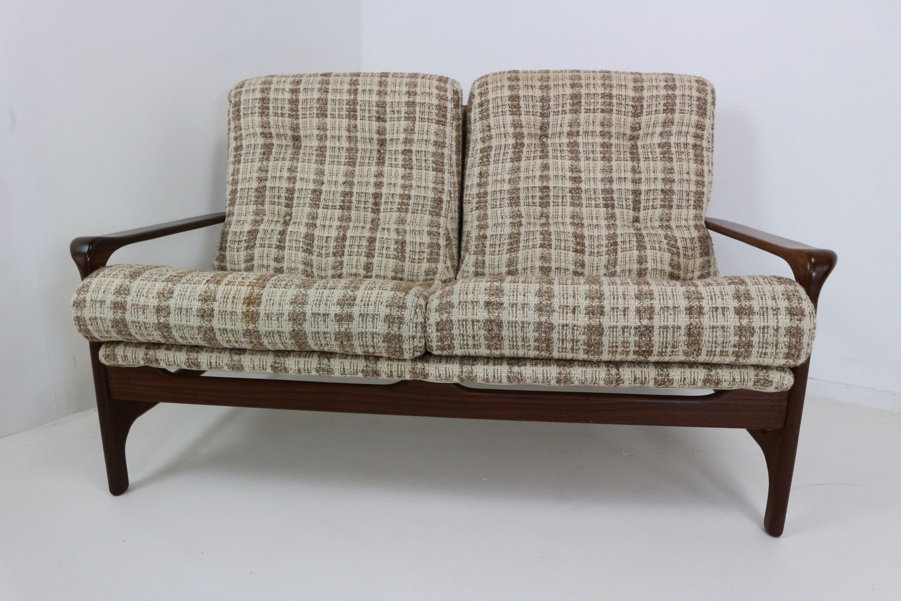 organisch geformter vintage 2 sitzer sofa aus palisander. Black Bedroom Furniture Sets. Home Design Ideas