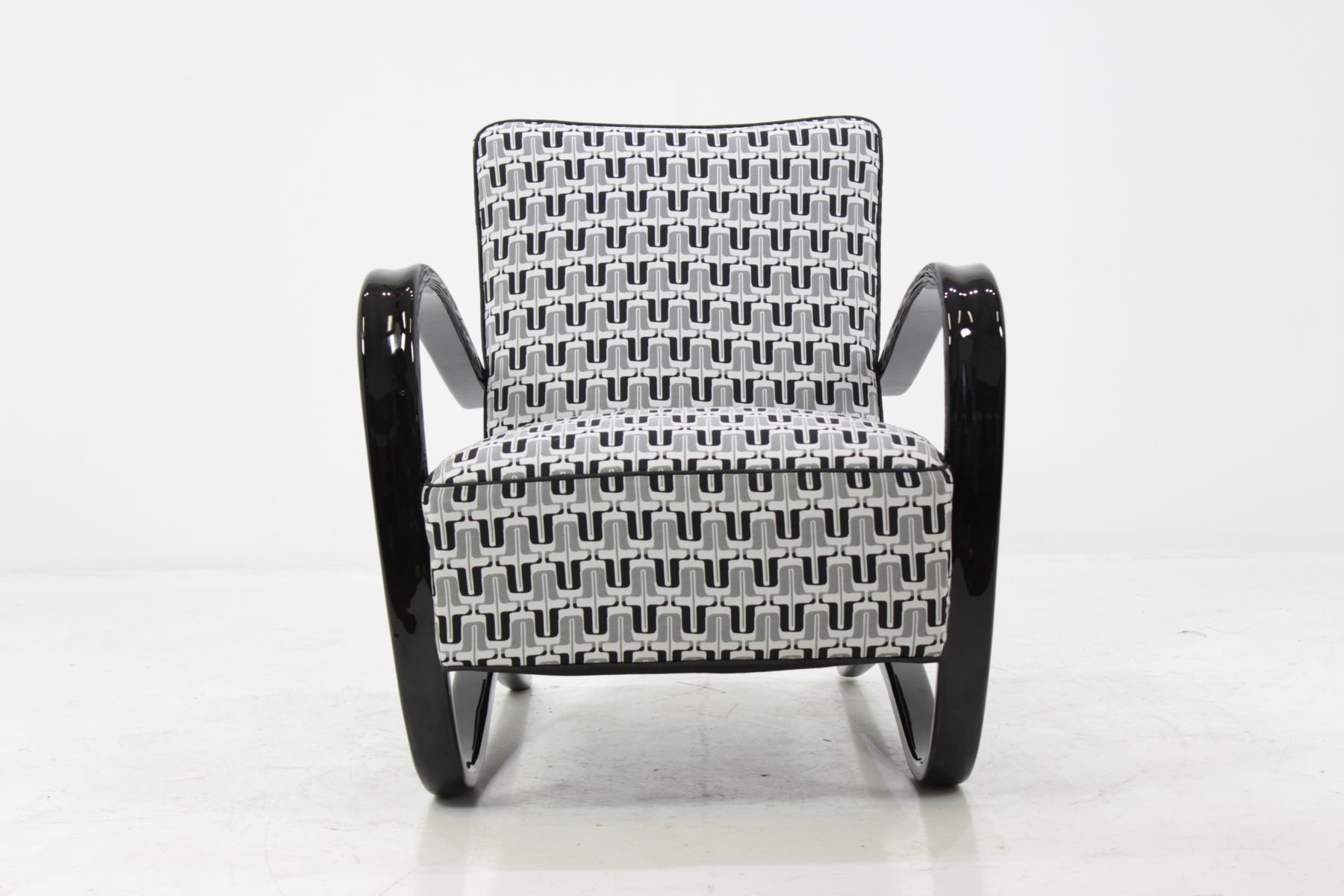 H 269 Chair by Jindrich Halabala for UP Závody Brno 1930s for
