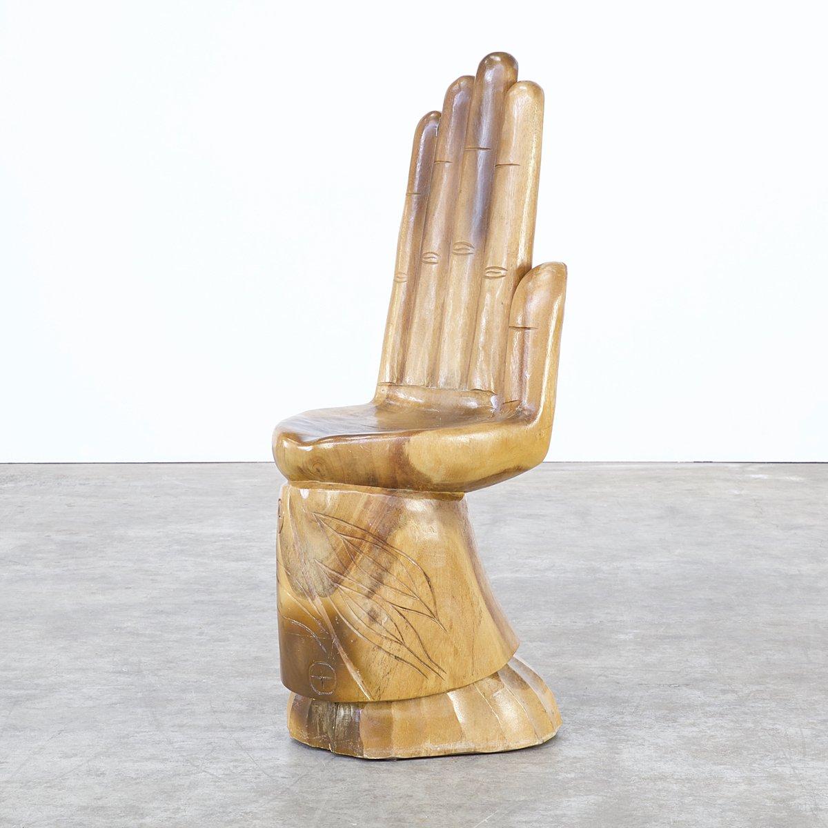Chaise forme main en acajou sculpt 1960s en vente sur pamono for Chaise en forme de main