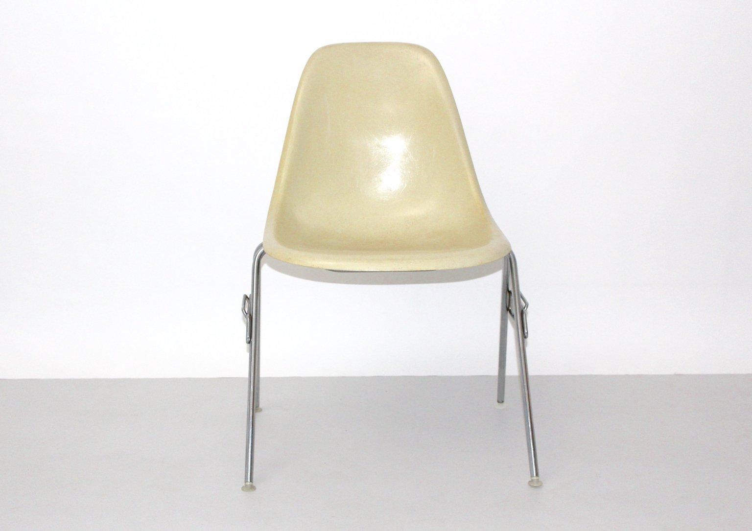 Stuhl charles eames vitra stuhl armlehne eames daw for Ea 119 nachbau