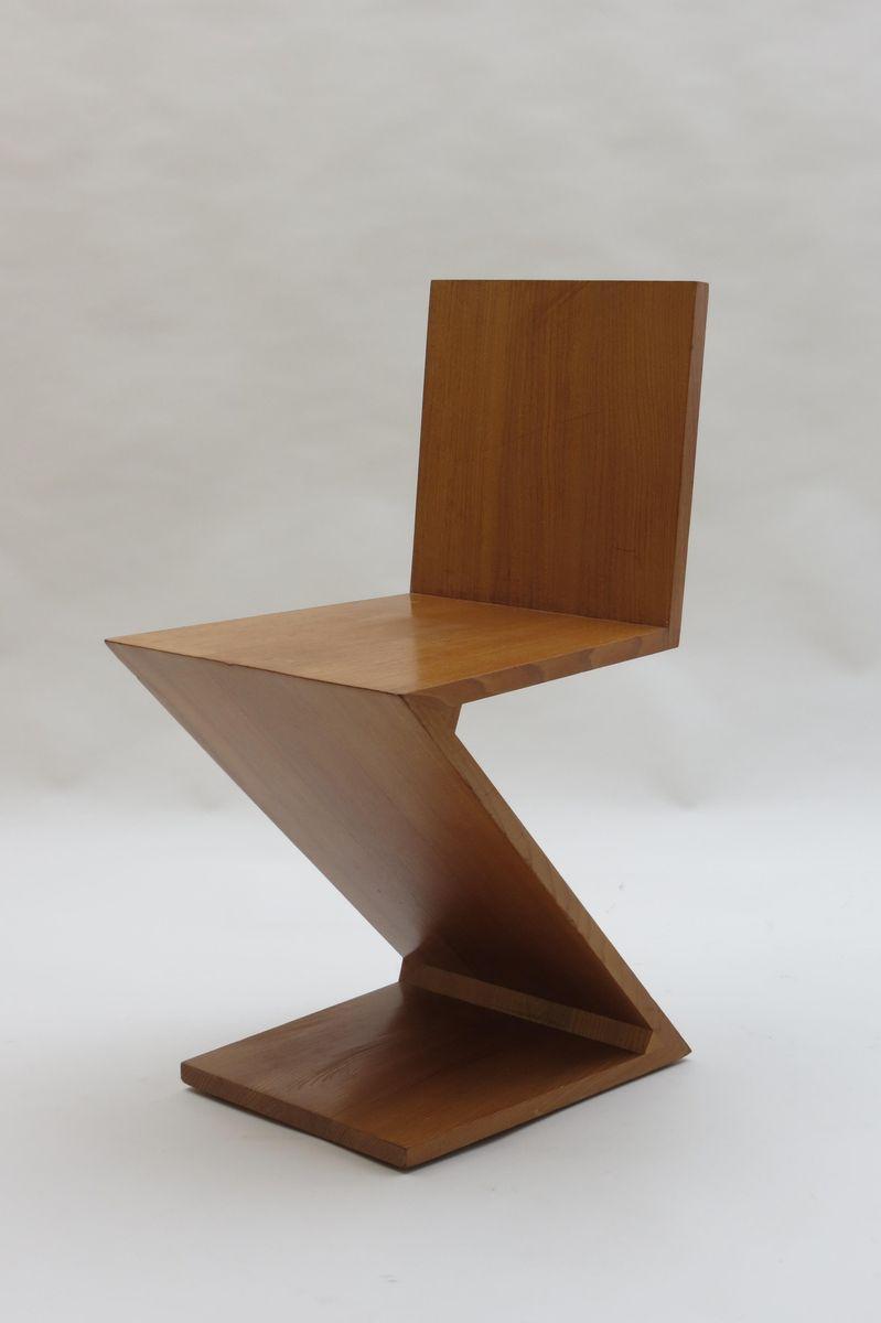 Chaise zig zag par gerrard rietveld pour cassina 1970s en for Chaise zig zag