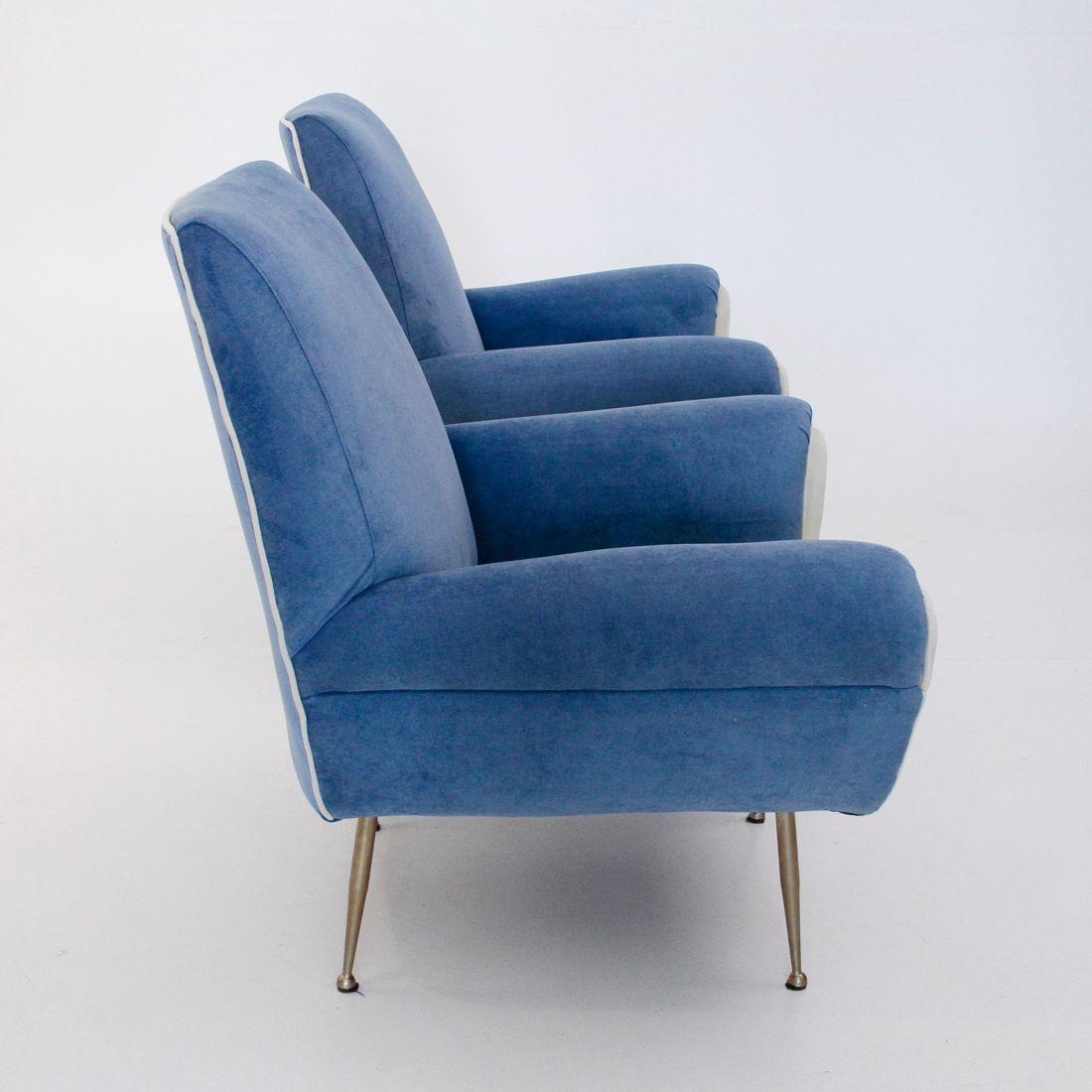 italienische vintage sessel in wei blau 1960er 2er set bei pamono kaufen. Black Bedroom Furniture Sets. Home Design Ideas