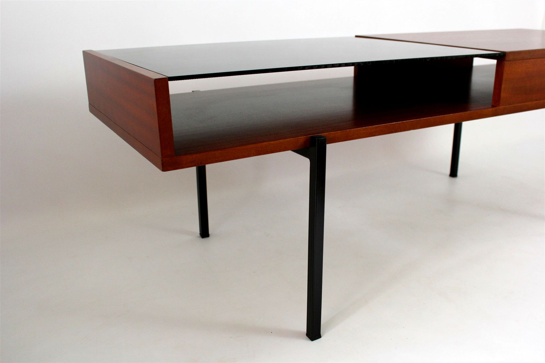 table basse en acajou avec verre noir 1970s en vente sur. Black Bedroom Furniture Sets. Home Design Ideas