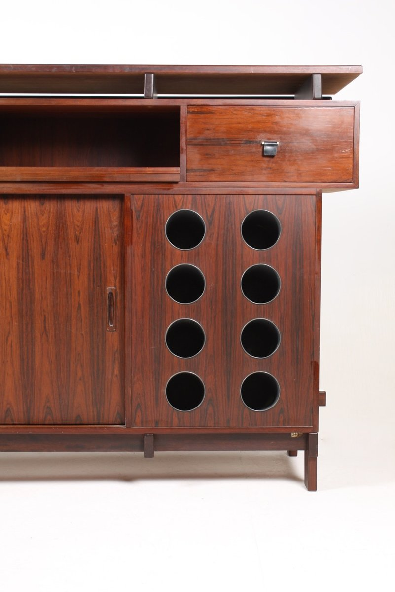 Mid-Century Rosewood Dry Bar Cabinet from Dyrlund for sale at Pamono