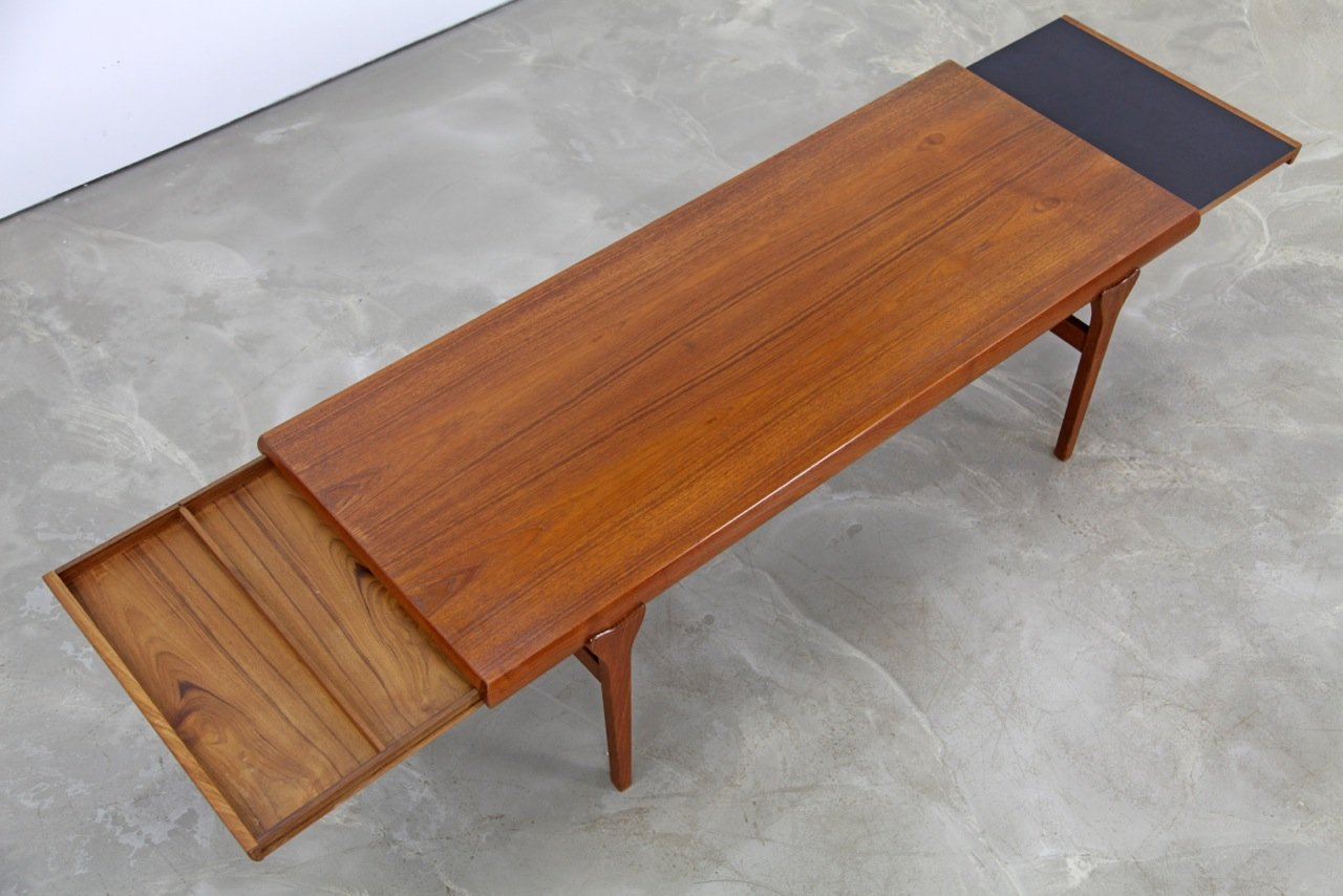 table basse en teck et formica noir par johannes andersen 1960s en vente sur pamono. Black Bedroom Furniture Sets. Home Design Ideas