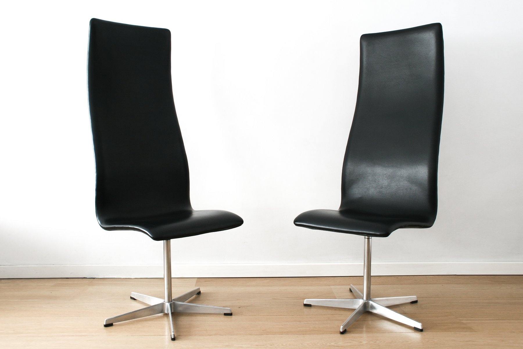 3172 Oxford Chairs by Arne Jacobson for Fritz Hansen Set of 2 for