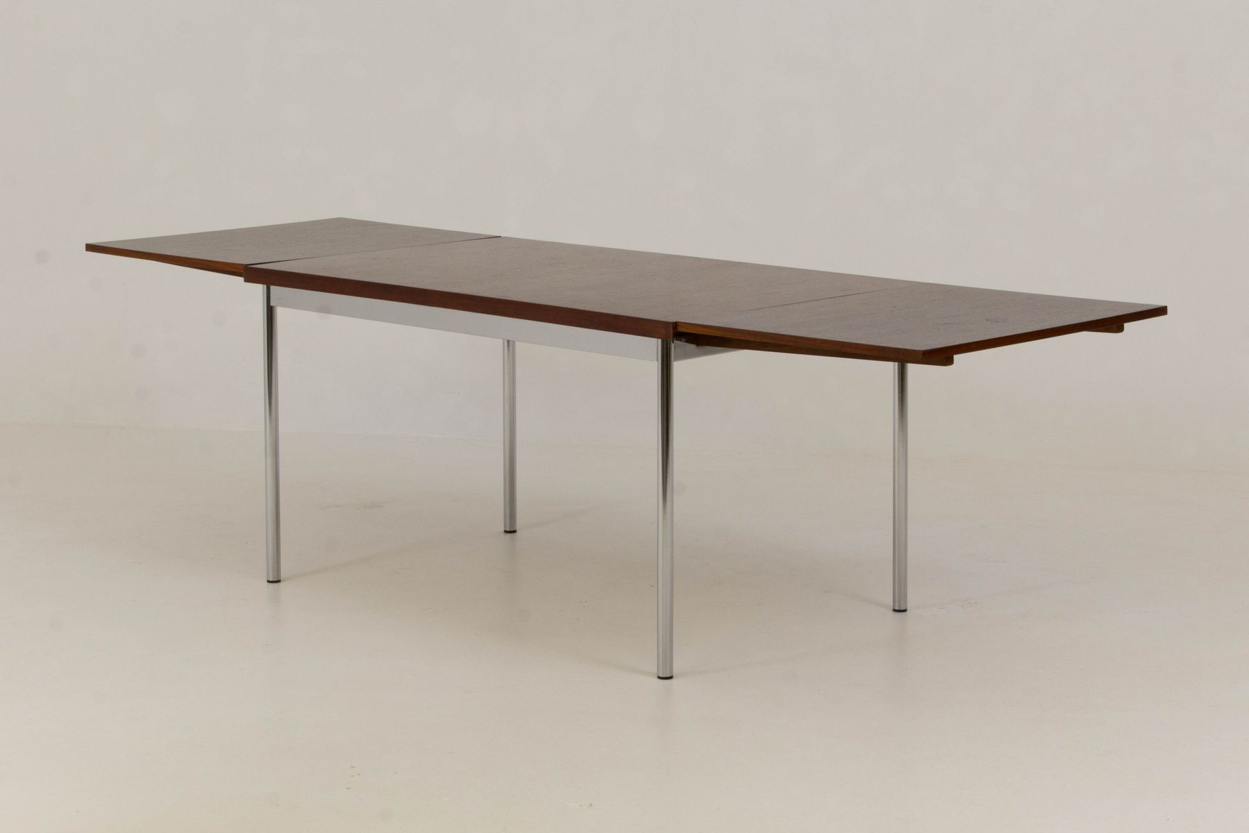 Table de salle manger extensible de pastoe 1960s en for Table salle a manger usage