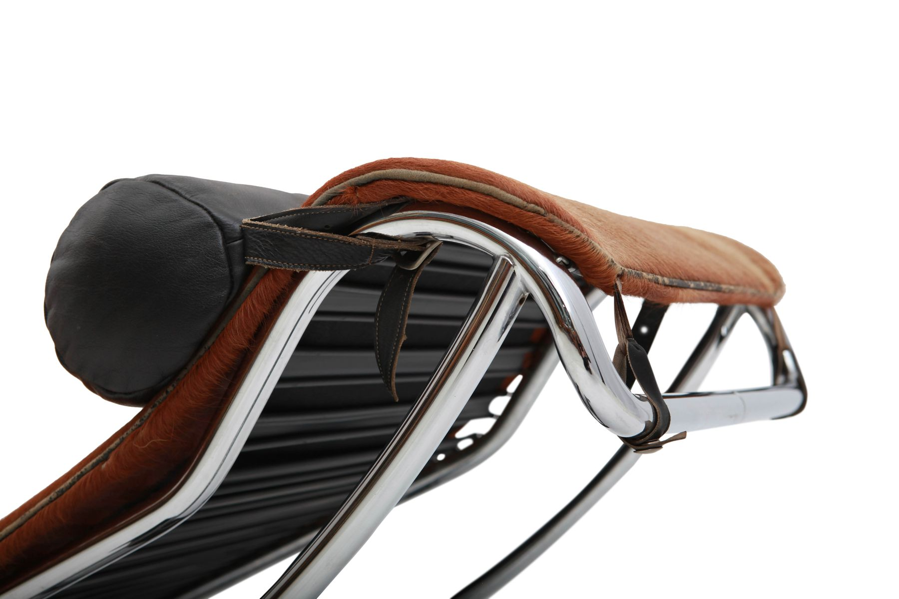 le corbusier chaise longue pony skin with Le Corbusier Lc 4 4257 on Id F 5990763 likewise Id F 6332623 moreover Corbusier Chaise Design Fidelity Lounge Le Corbusier Chaise Longue Originale Prezzo likewise Id F 7811013 additionally Id F 1940782.