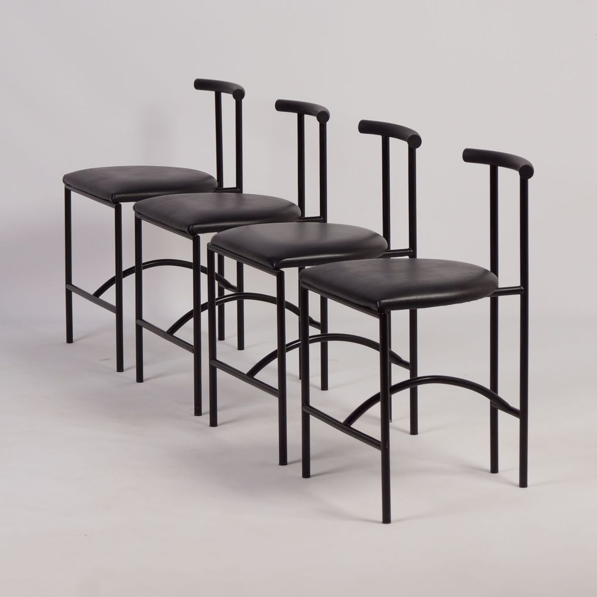 chaises de salon vintage tokyo par rodney kinsman pour bieffeplast italie 1980s set de 4 en. Black Bedroom Furniture Sets. Home Design Ideas