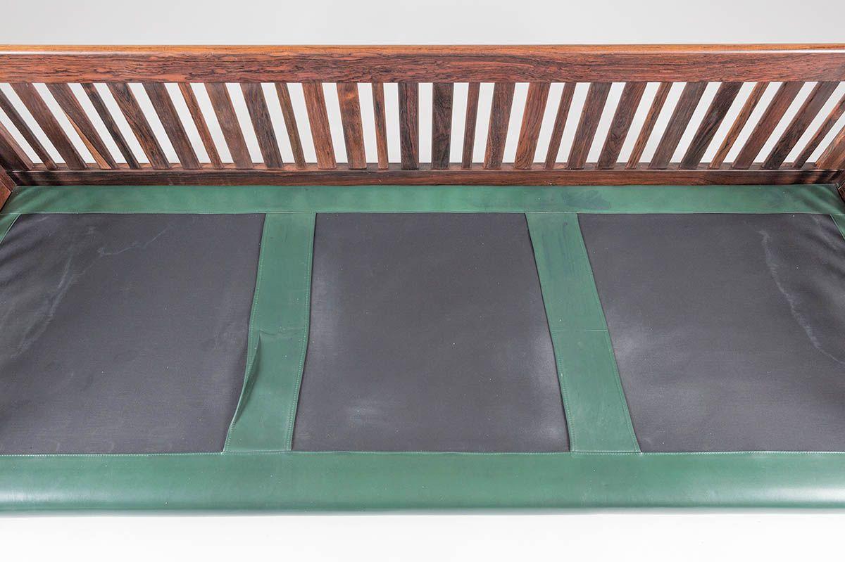 Canap monte carlo vintage en palissandre et cuir vert par ingvar stockum pour futura m bler - Canape cuir vert ...
