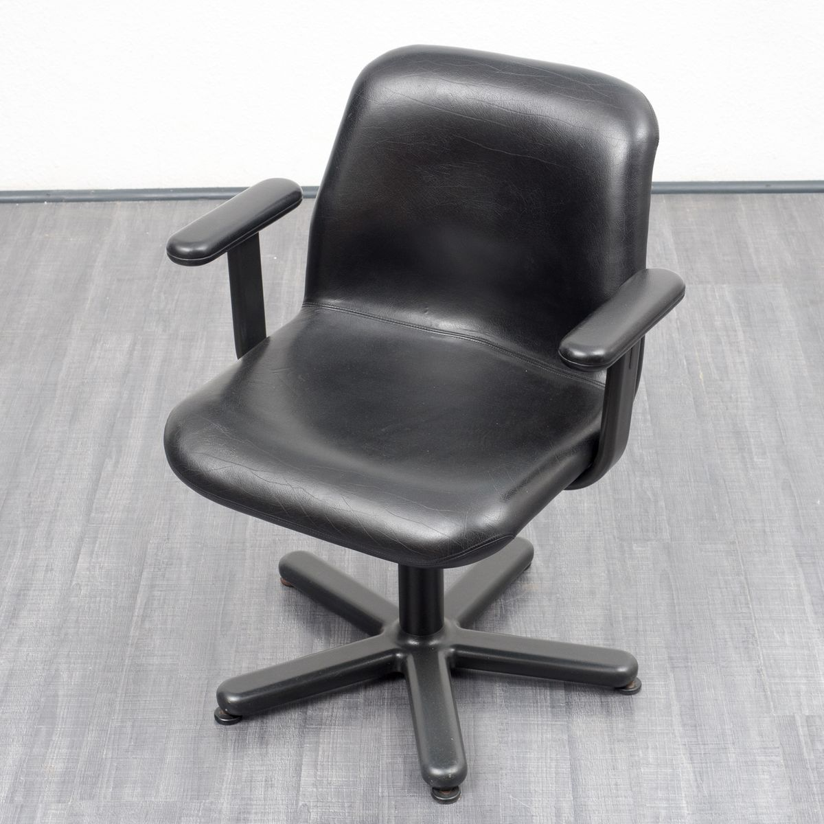 Knoll Office Chair Mid Century - Mid century leather desk chair from knoll international 1950s