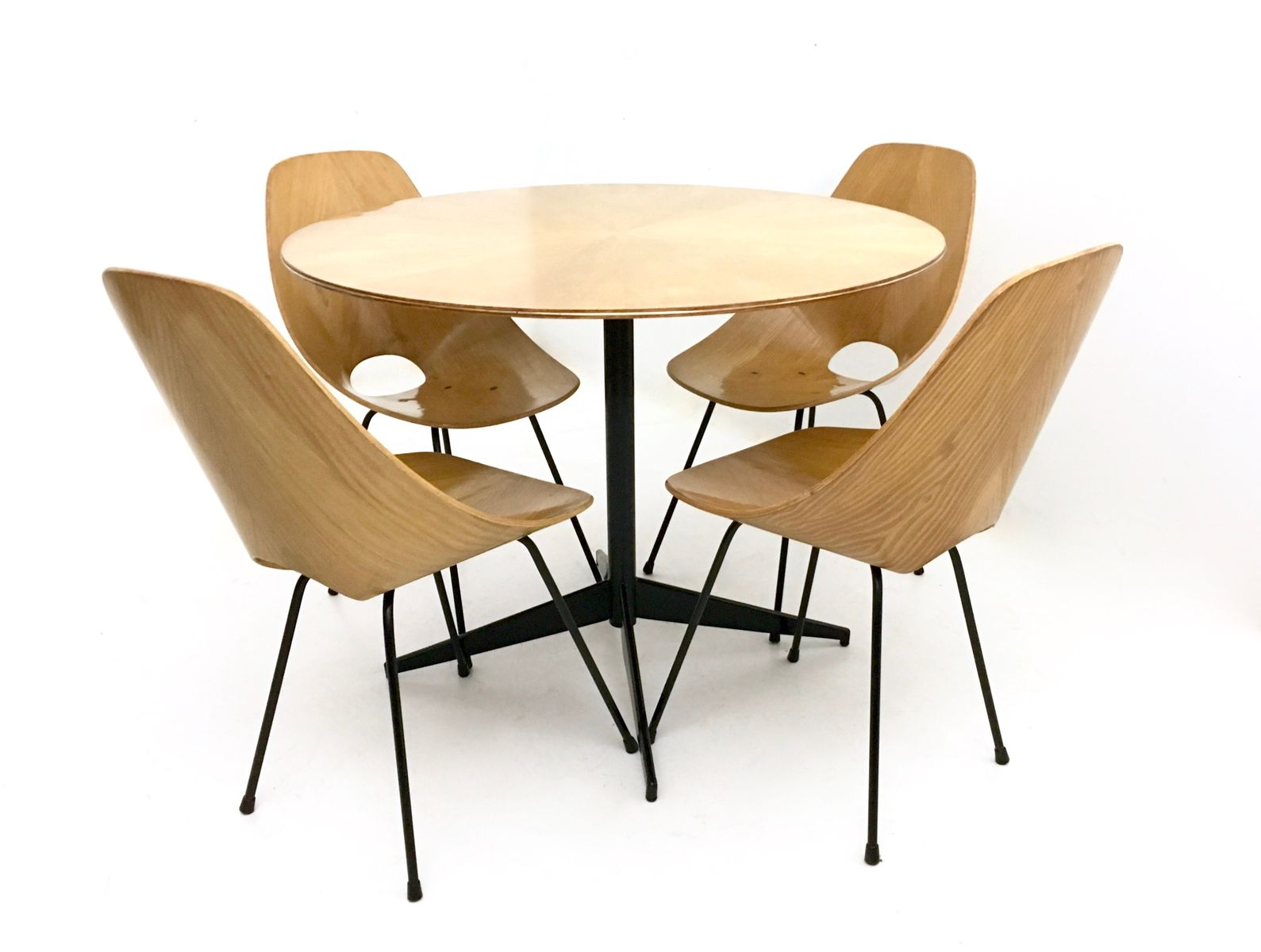 Table de salle a manger avec chaises chaise avec for Chaise pour table de salle a manger