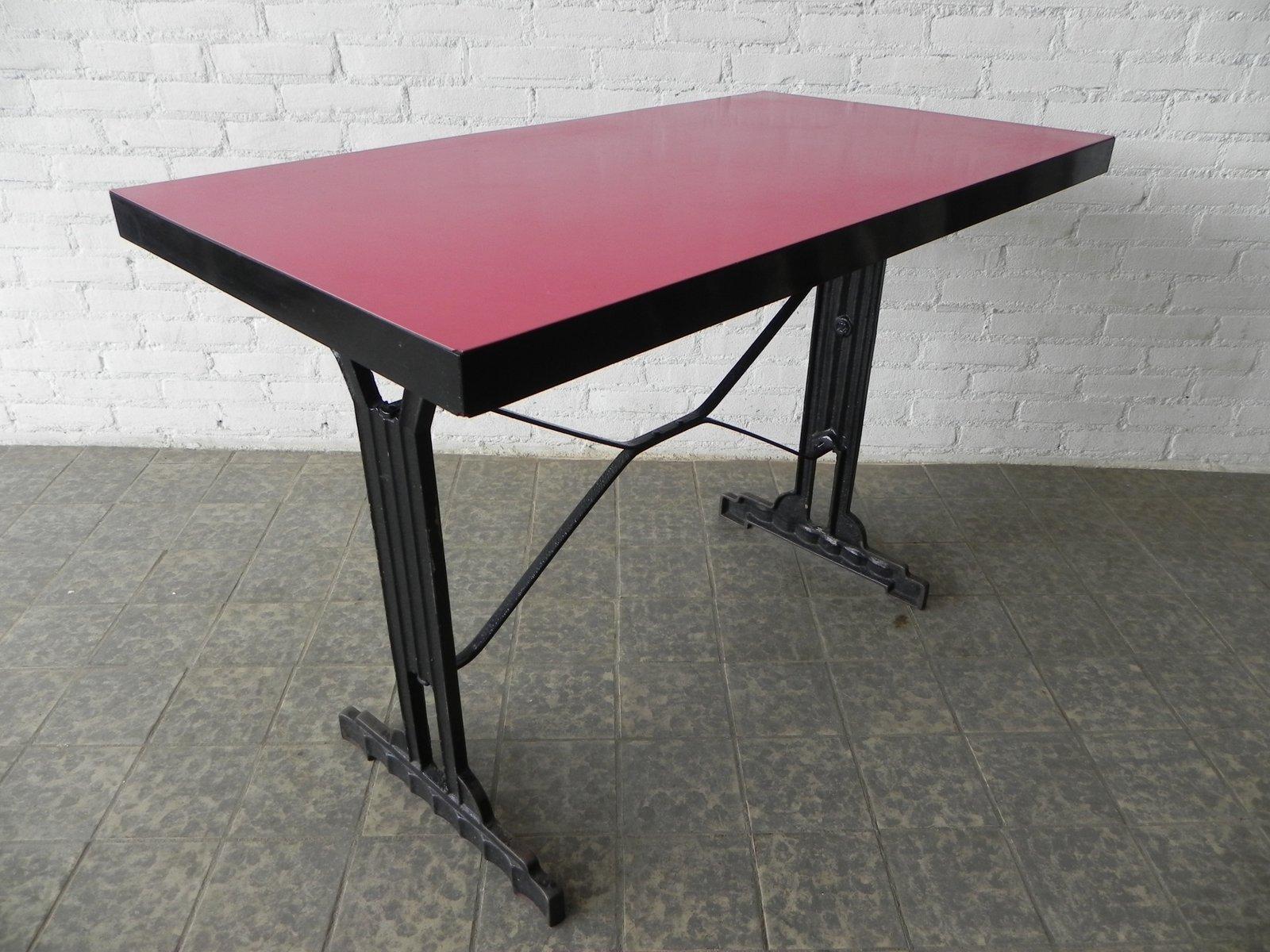 franz sischer bistro tisch mit gusseisen gestell und formica tischplatte 1930er bei pamono kaufen. Black Bedroom Furniture Sets. Home Design Ideas