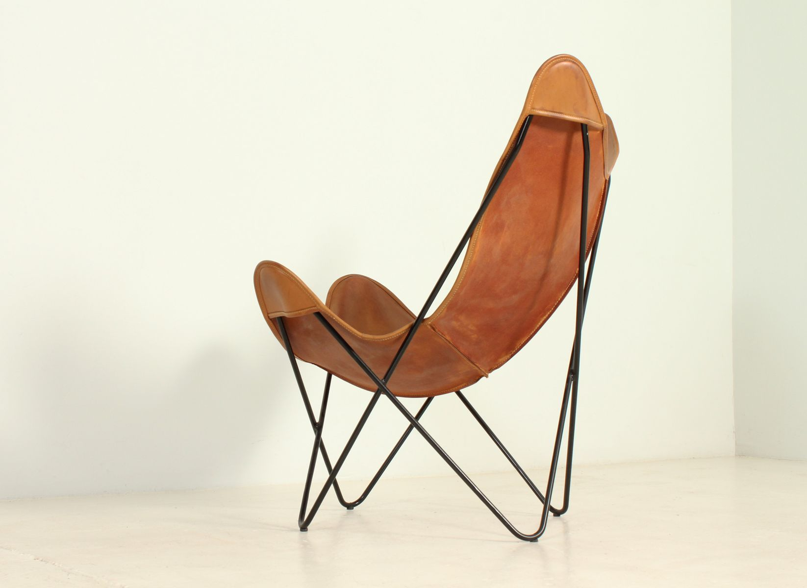 chaise butterfly par ferrari kurchan and bonet 1970s en. Black Bedroom Furniture Sets. Home Design Ideas