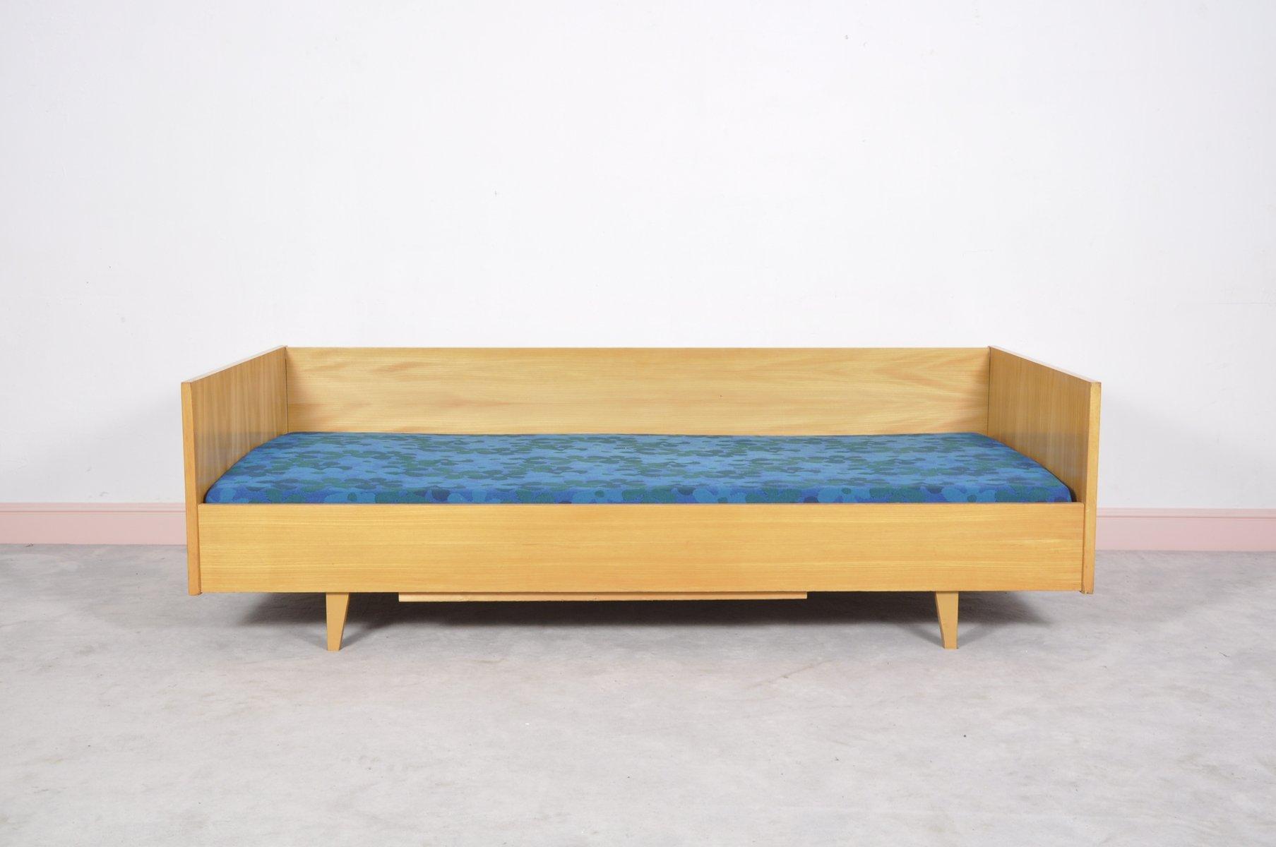 deutsches mid century schlafsofa mit gebl mtem bezug bei pamono kaufen. Black Bedroom Furniture Sets. Home Design Ideas