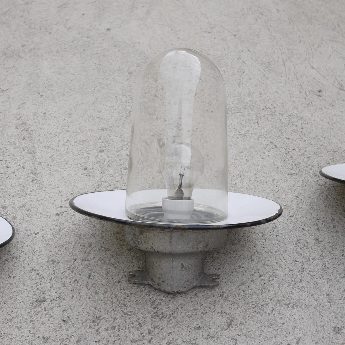 industrielle emaillierte vintage wandlampe bei pamono kaufen. Black Bedroom Furniture Sets. Home Design Ideas