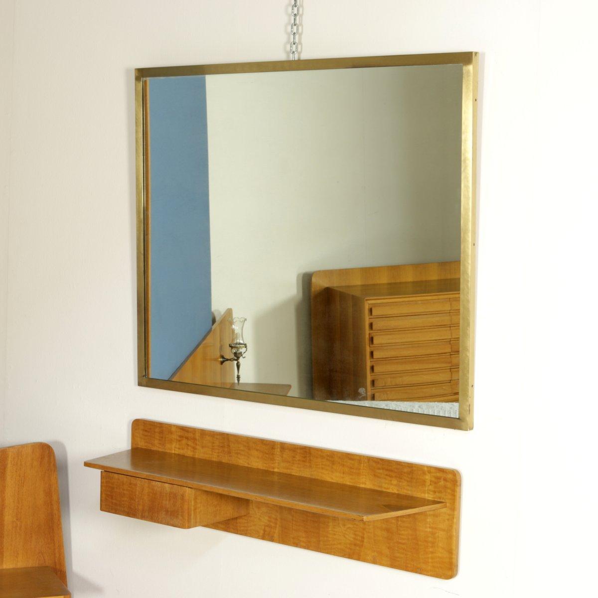 spiegel mit ablage aus nussholz furnier und messing 1960er bei pamono kaufen. Black Bedroom Furniture Sets. Home Design Ideas