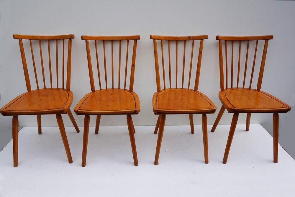 Chaises de salle manger avec dossier barreaux en bois for Salle a manger 1960