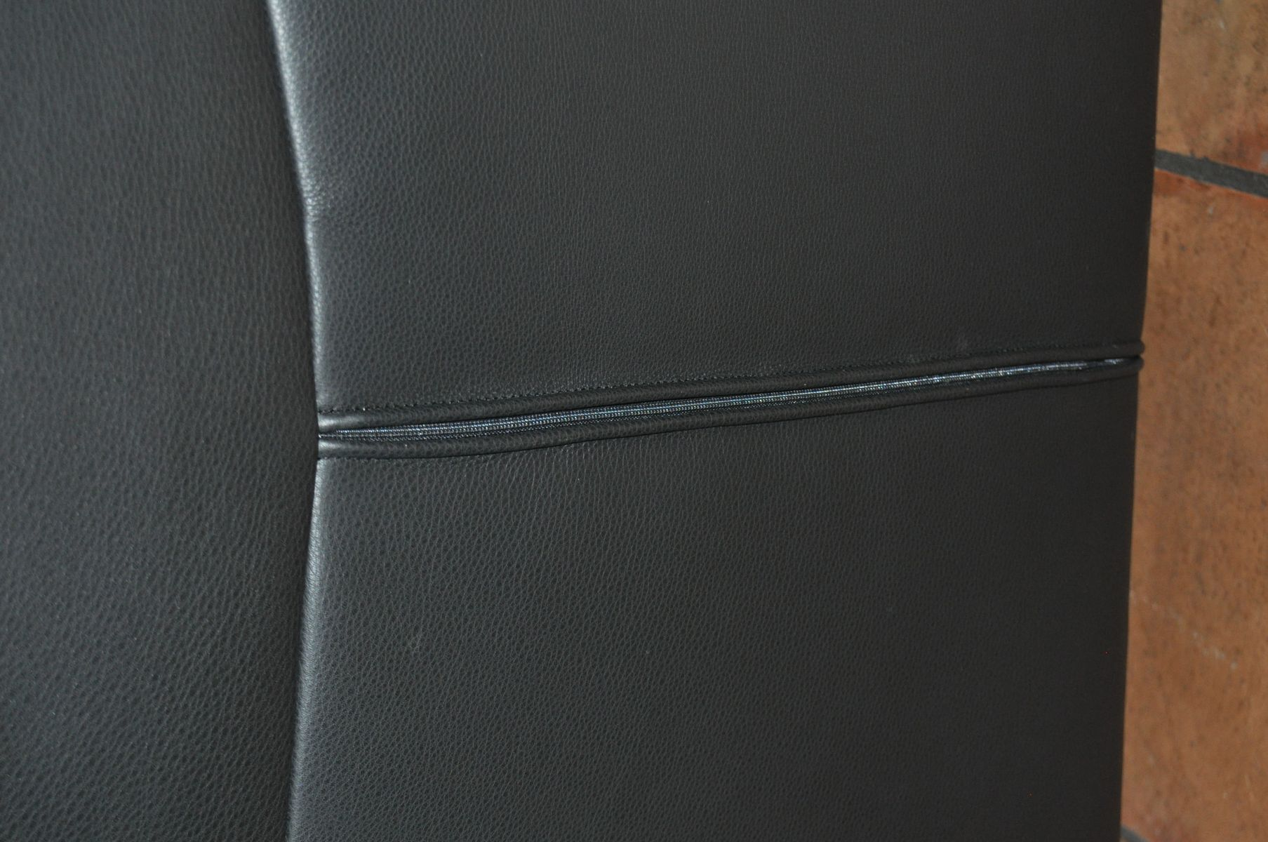 schwarzes vintage ledersofa von de sede bei pamono kaufen. Black Bedroom Furniture Sets. Home Design Ideas