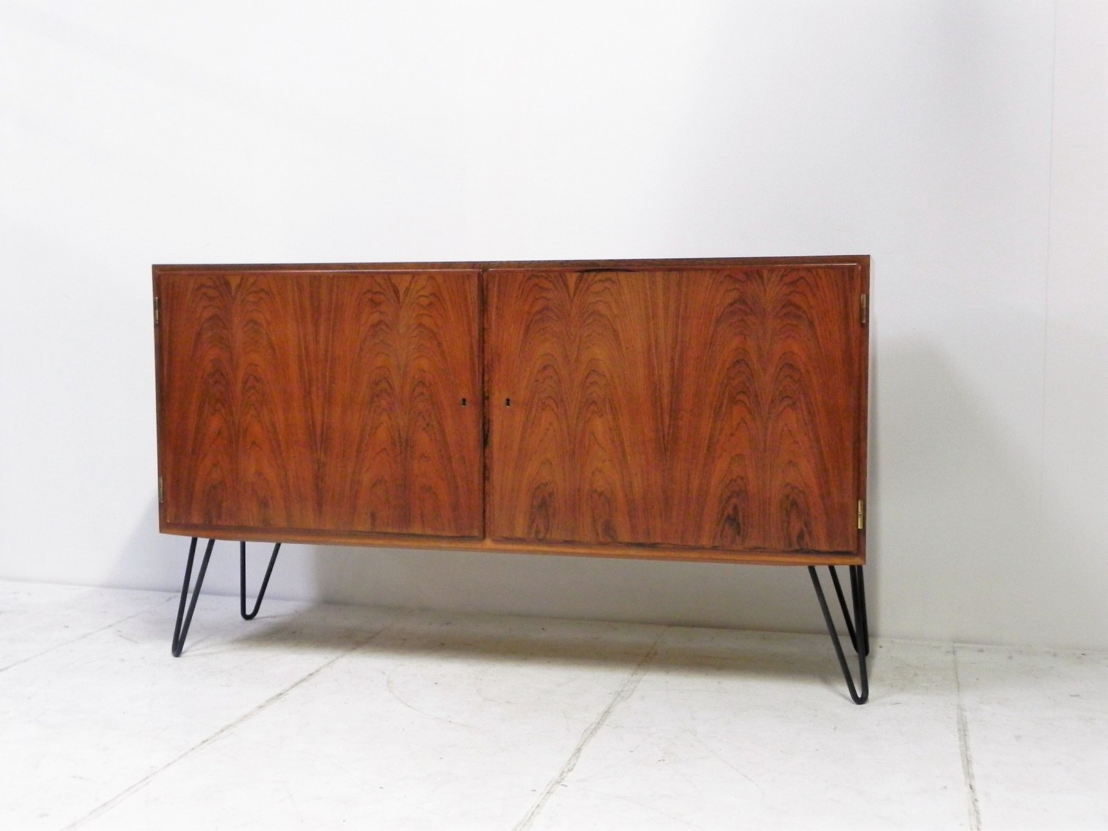 vintage rosewood buffet by poul hundevad for hundevad co for sale at pamono. Black Bedroom Furniture Sets. Home Design Ideas