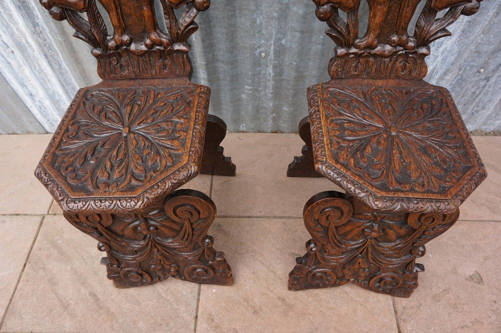 Antique italian carved oak sgabello chairs set of for