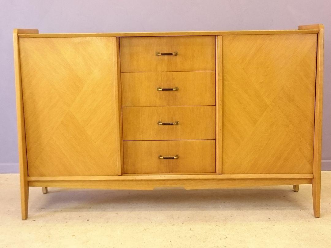 enfilade vintage en ch ne clair 1950s en vente sur pamono. Black Bedroom Furniture Sets. Home Design Ideas