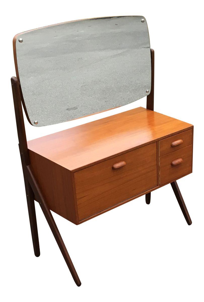 table de maquillage vintage avec miroir en vente sur pamono. Black Bedroom Furniture Sets. Home Design Ideas
