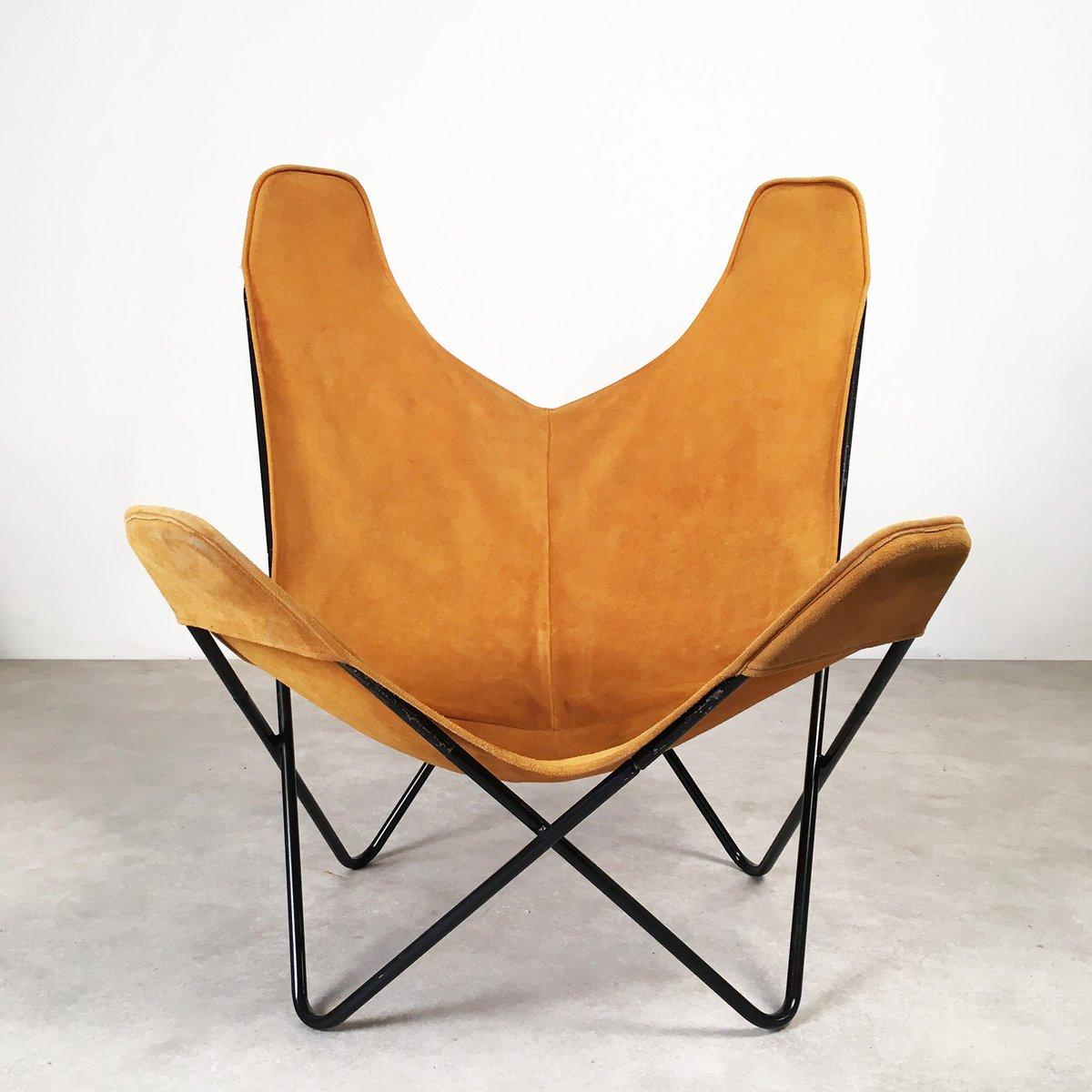 butterfly chair by jorge hardoy ferrari for knoll 1950s. Black Bedroom Furniture Sets. Home Design Ideas