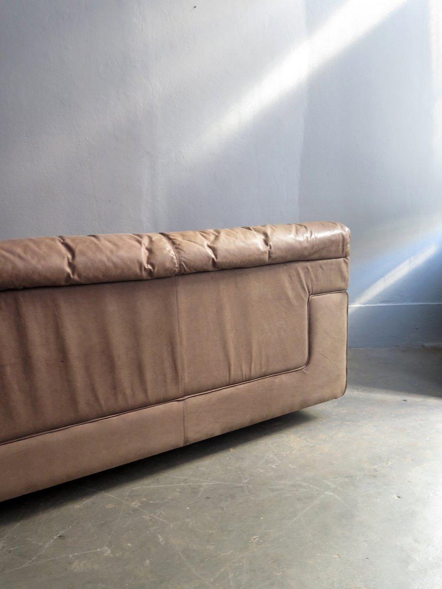Grand canap vintage en cuir en vente sur pamono for Rembourrage canape cuir