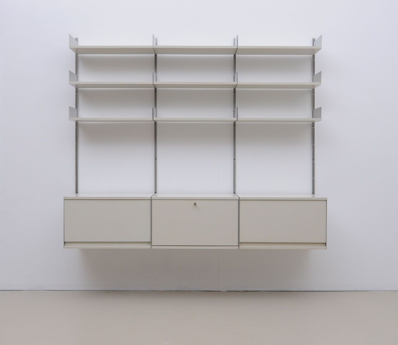 deutsches vintage modell 606 regalsystem von dieter rams. Black Bedroom Furniture Sets. Home Design Ideas