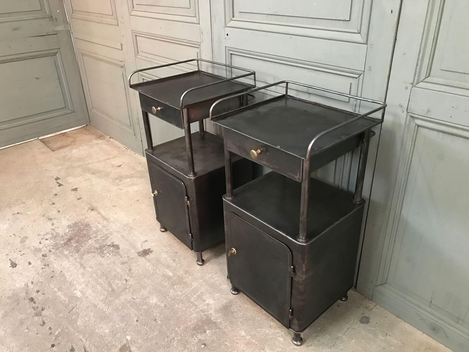 tables de chevet vintage en m tal noir set de 2 en vente sur pamono. Black Bedroom Furniture Sets. Home Design Ideas