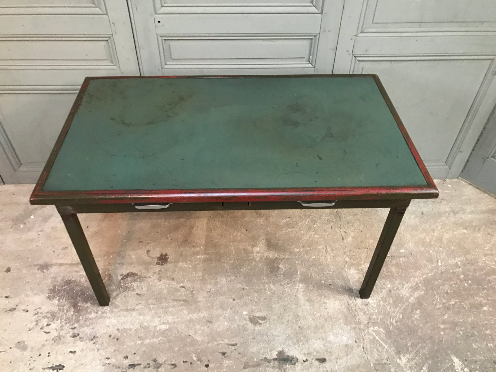 vintage metall schreibtisch von atal bei pamono kaufen. Black Bedroom Furniture Sets. Home Design Ideas