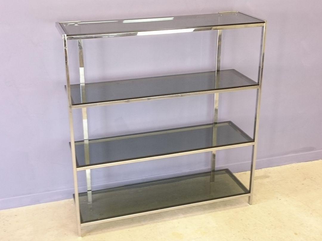 regal aus verchromten metall glas 1970er bei pamono kaufen. Black Bedroom Furniture Sets. Home Design Ideas