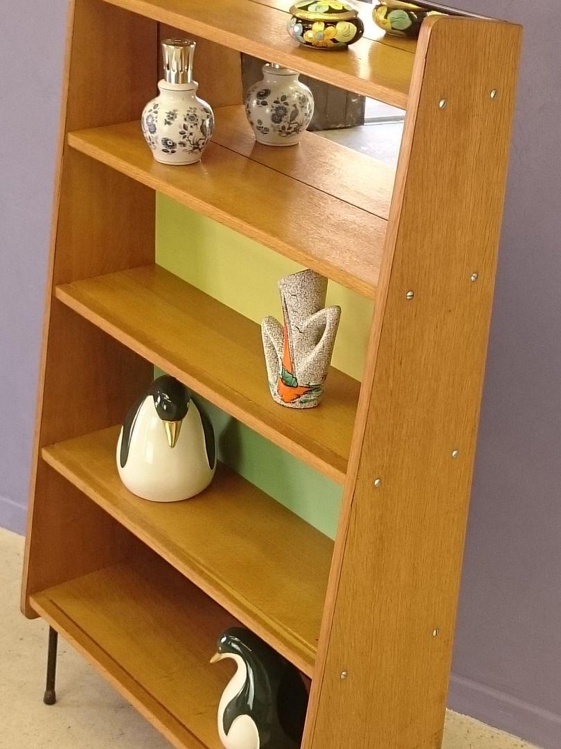 vintage b cherregal von pierre guariche 1950er bei pamono. Black Bedroom Furniture Sets. Home Design Ideas