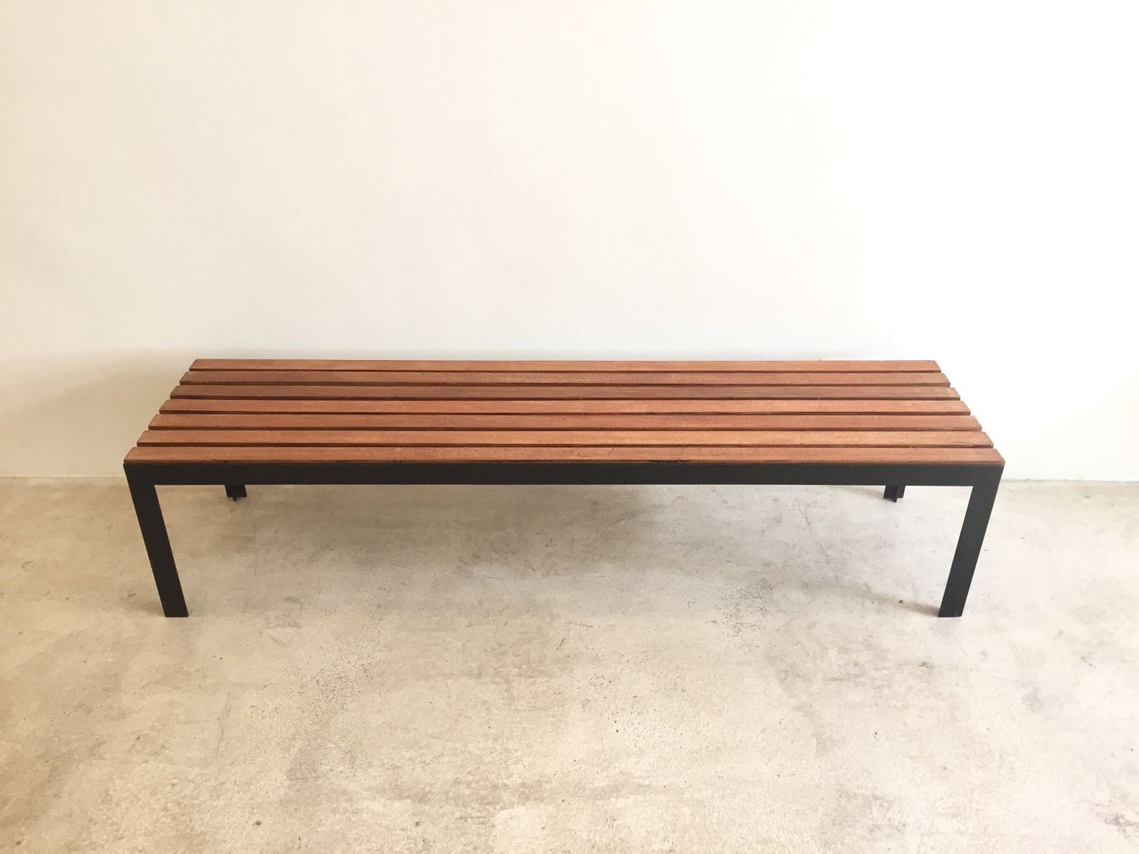 Modernist T Slat Bench 1965 for sale at Pamono