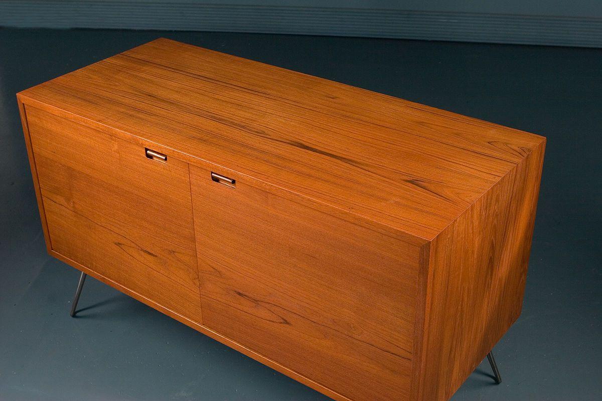 meuble de rangement vintage en teck de sejling skabe danemark en vente sur pamono. Black Bedroom Furniture Sets. Home Design Ideas