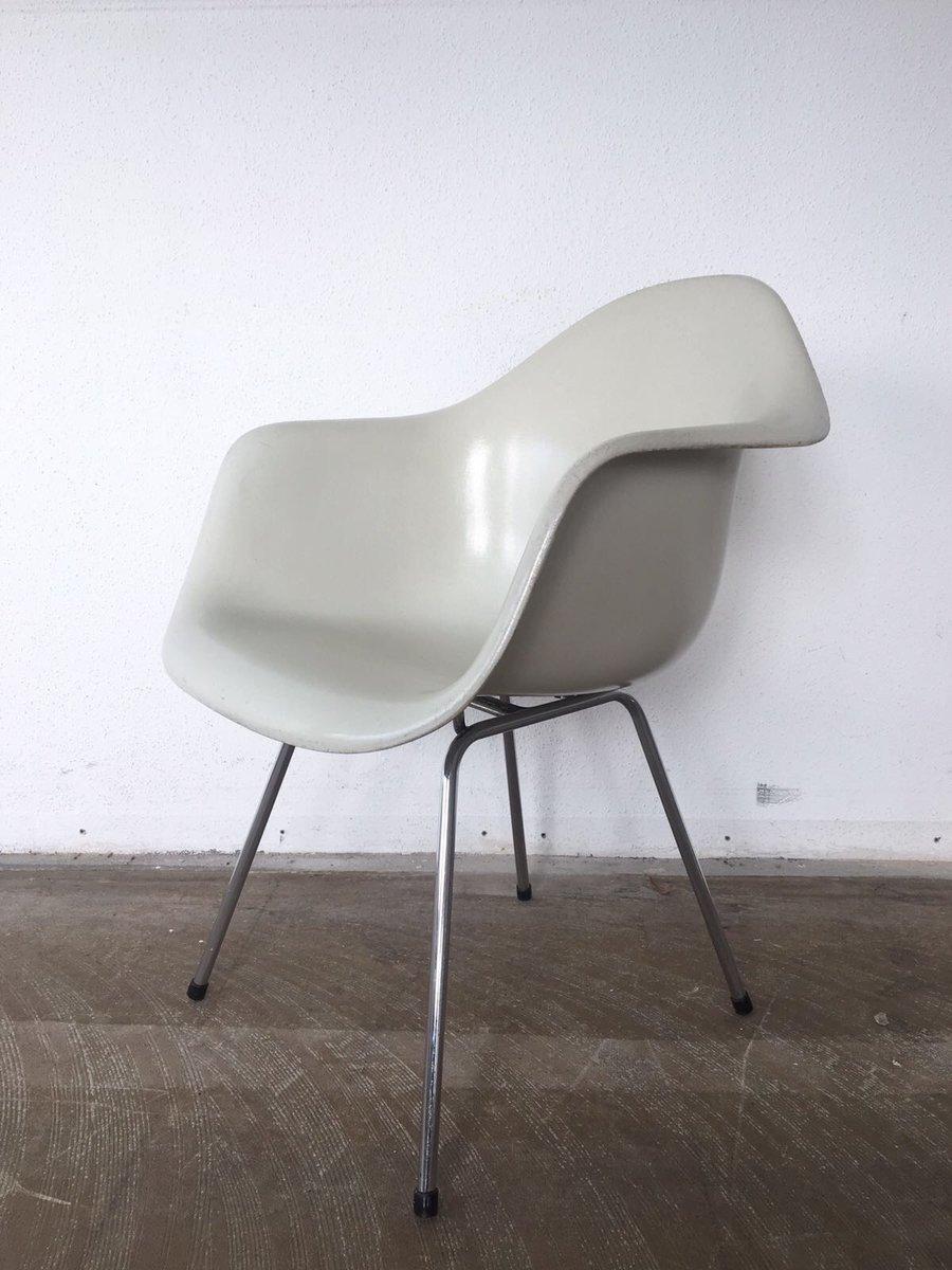 fauteuils dax en fibre de verre avec base 4 pieds par. Black Bedroom Furniture Sets. Home Design Ideas
