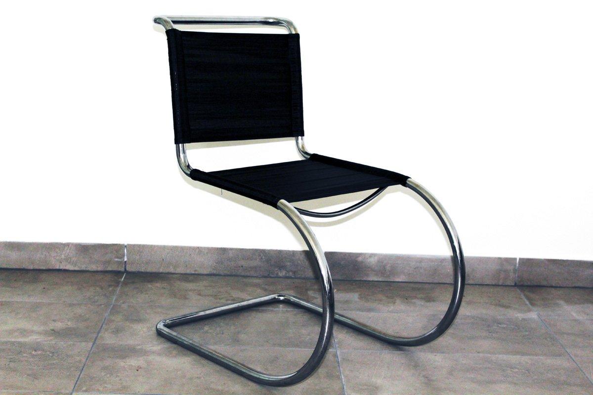 chaise en acier tubulaire par ludwig mies van der rohe. Black Bedroom Furniture Sets. Home Design Ideas
