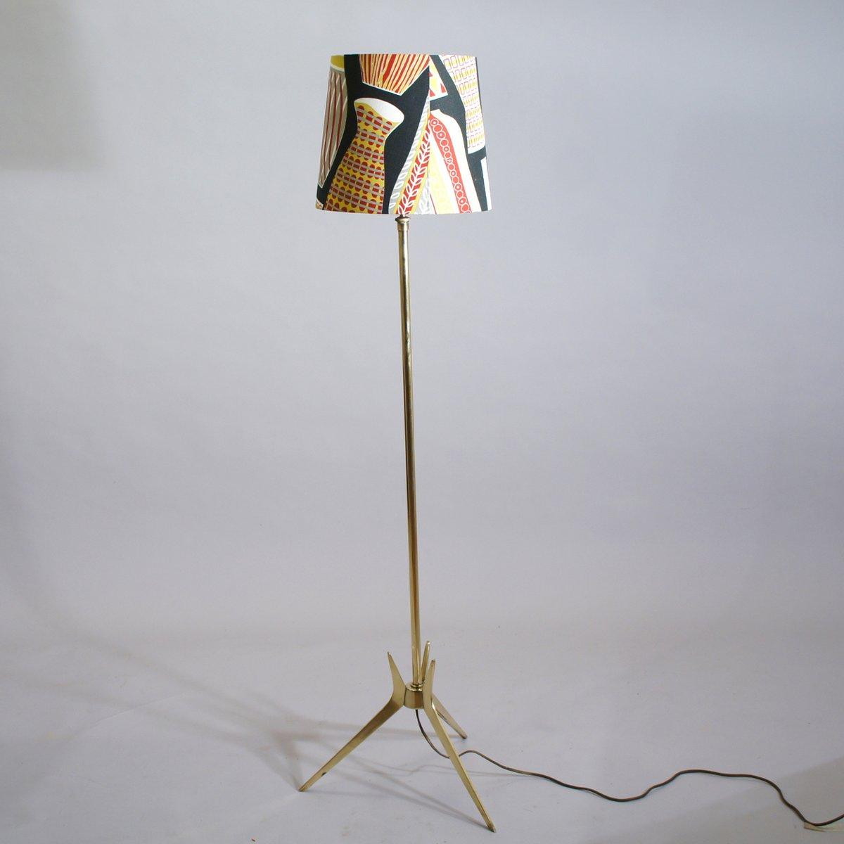 schwedische vintage stehlampe mit schirm im sanderson bezug bei pamono kaufen. Black Bedroom Furniture Sets. Home Design Ideas