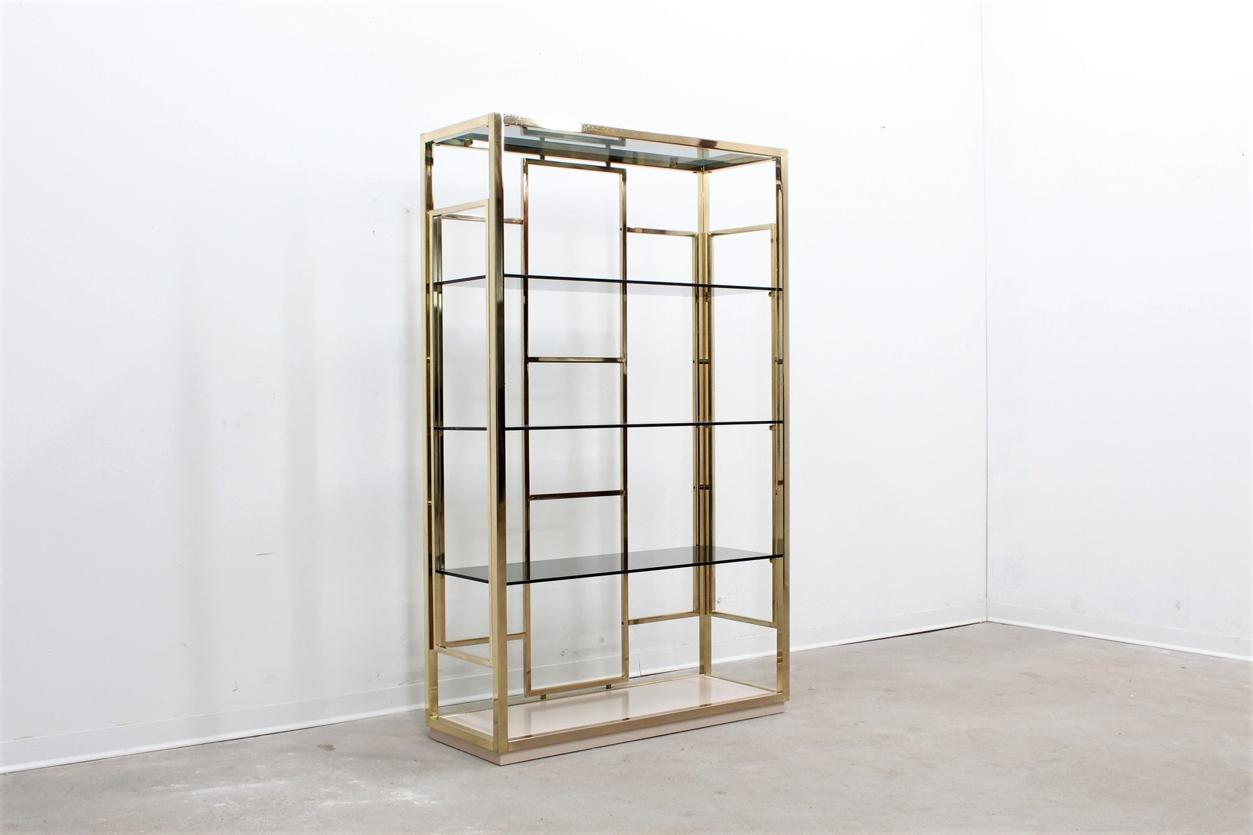 vintage brass etagere by romeo rega 1970s for sale at pamono. Black Bedroom Furniture Sets. Home Design Ideas
