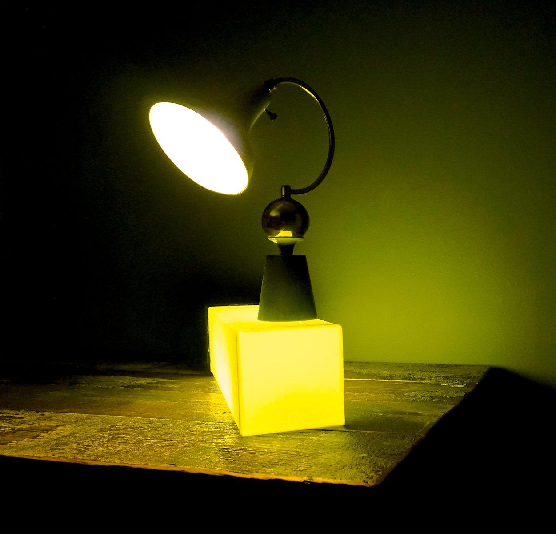 lampe de bureau verte pomme france 1950s en vente sur pamono. Black Bedroom Furniture Sets. Home Design Ideas
