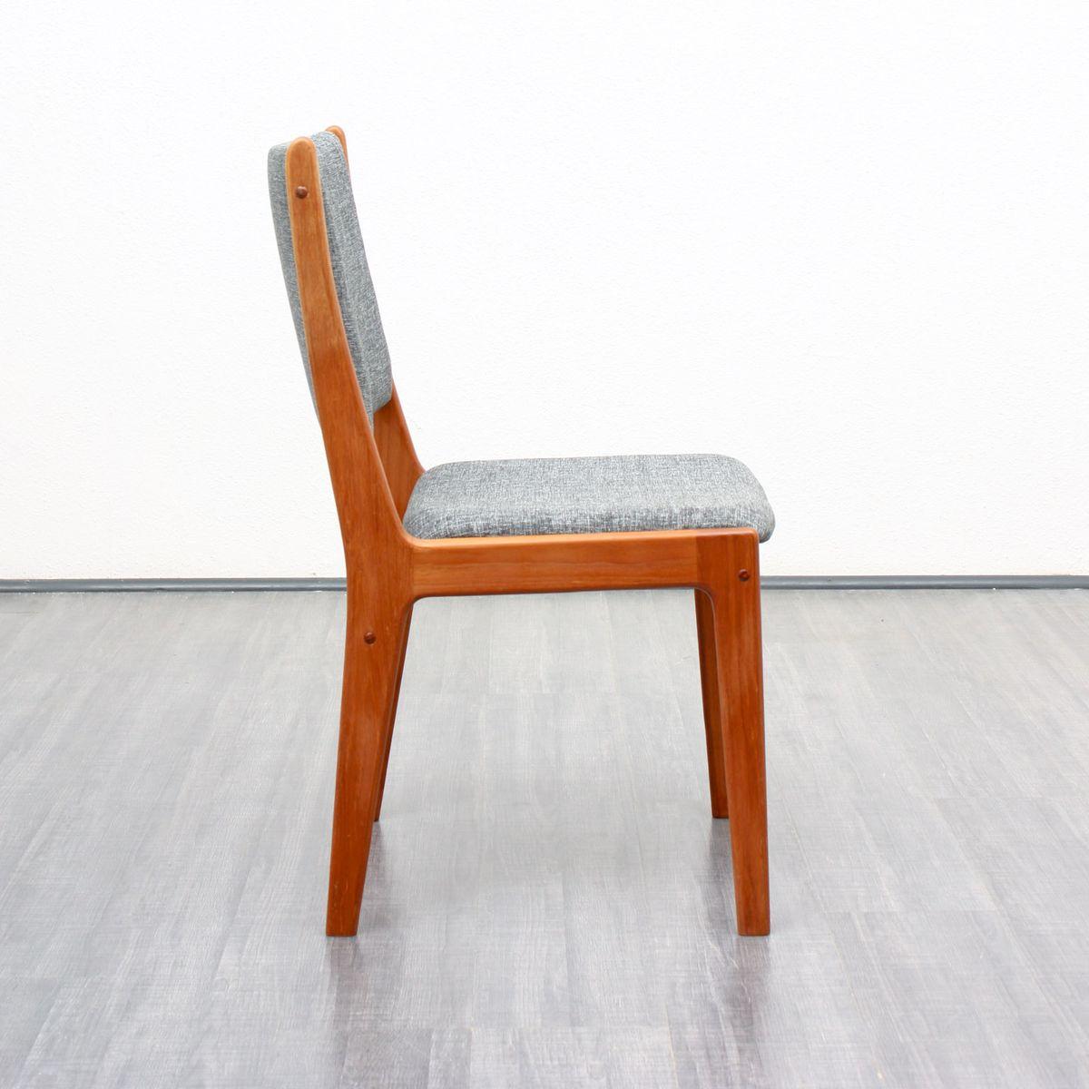 teak st hle mit grauen bez gen 1960er 4er set bei pamono kaufen. Black Bedroom Furniture Sets. Home Design Ideas
