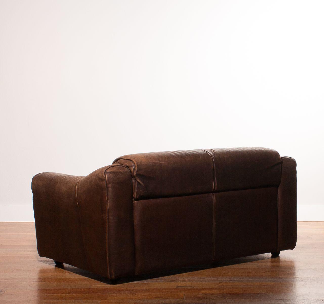 canap 233 2 places en cuir de buffle 1970s en vente sur pamono