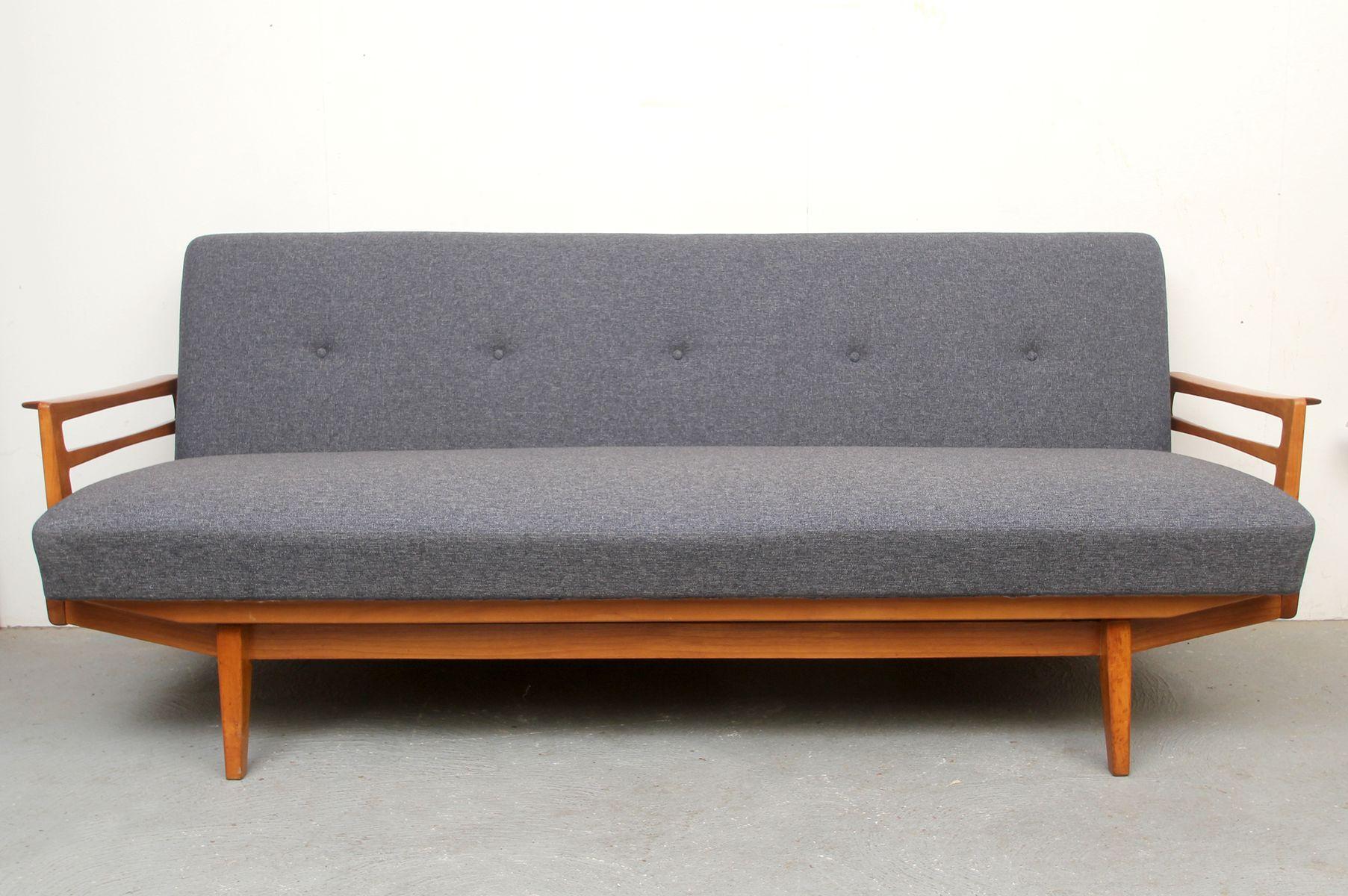 divan cerise tapisserie grise bleue 1950s en vente sur pamono. Black Bedroom Furniture Sets. Home Design Ideas